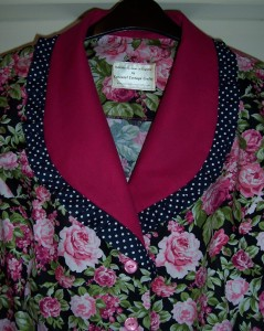 roses + contrast collar 2