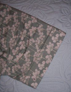 mccalls 2797cow parsley print blousesleeve turnback