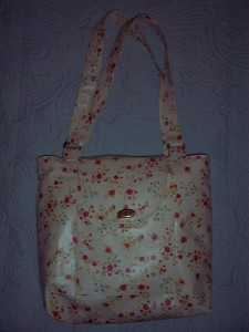 DITSY PRINT OILCLOTH BAG FRONT